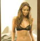 写真 #09:穆恩·布拉德古德 Moon Bloodgood
