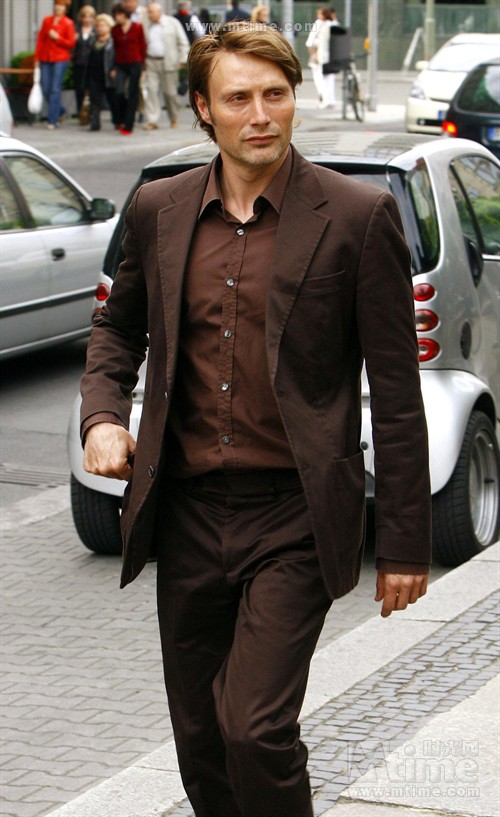 Pictures Of Black Suits With Brown Shoes
